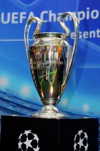 Der Champions League Pokal. Ziel der fussballerischen Träume. (flickr/eldan90)